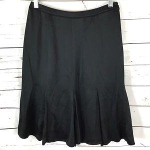 Ann Taylor Black Pleated Skirt Size 2